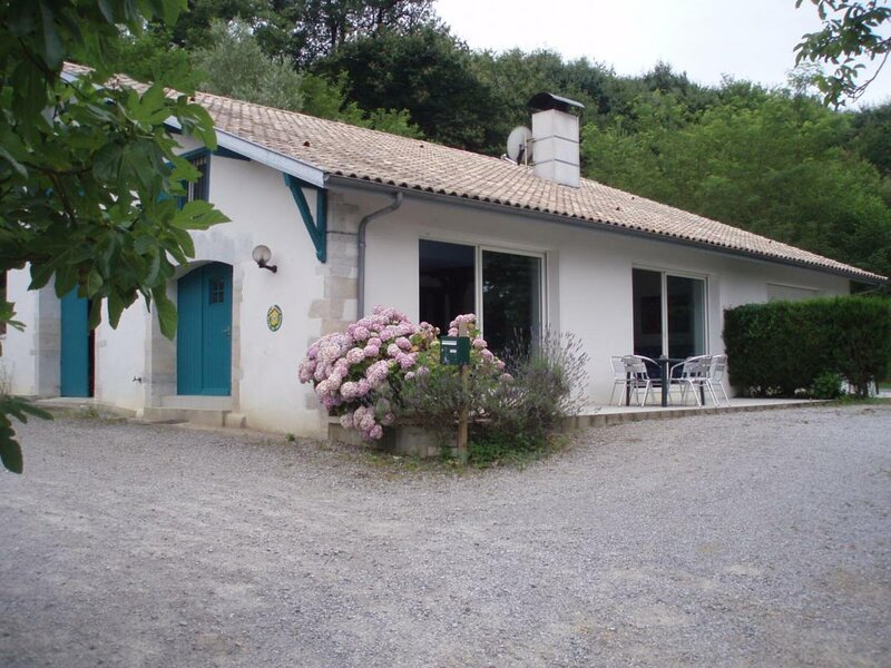 Les Barthes, vacation rental in Josse