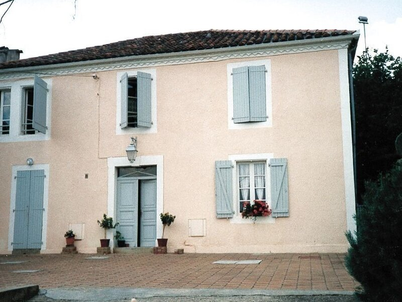 Coradine 1, vacation rental in Theze