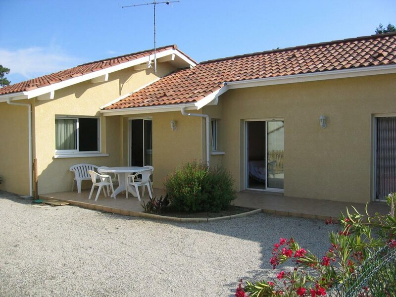 Eléonore, holiday rental in Soustons