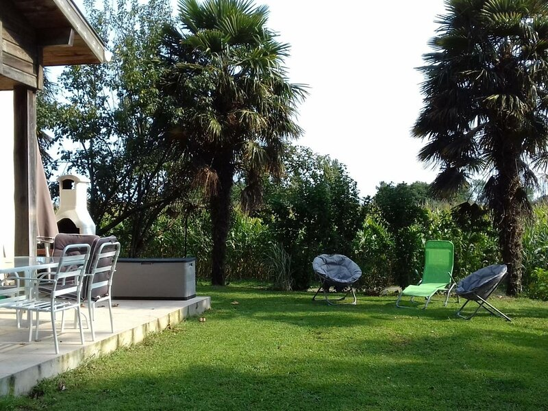Location Gîte Orx, 4 pièces, 6 personnes, holiday rental in Saubrigues