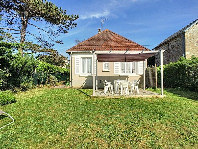 150m plage, maison de vacances de plain-pied avec jardin, holiday rental in Champeaux
