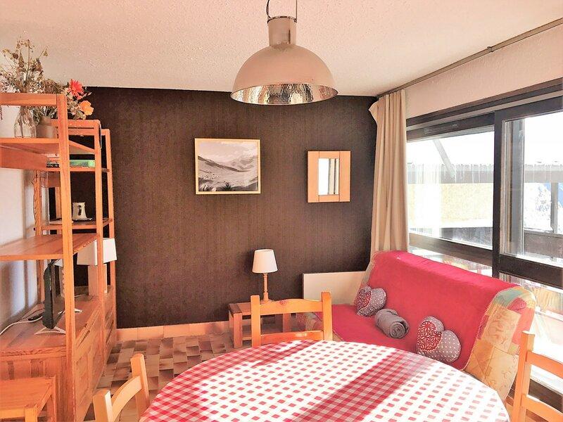 Appartement 4couchages proche télésiège du Diable, holiday rental in Saint-Christophe-en-Oisans