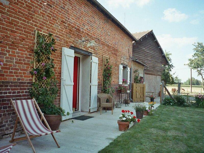 Gîte du clos setiers, holiday rental in Pronleroy