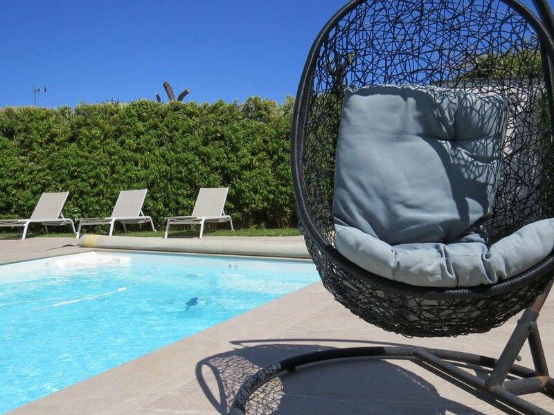 Superbe Villa T6 Luxe  Piscine chauffée privée  proche mer 10AMAR3, holiday rental in Sainte-Marie-Plage