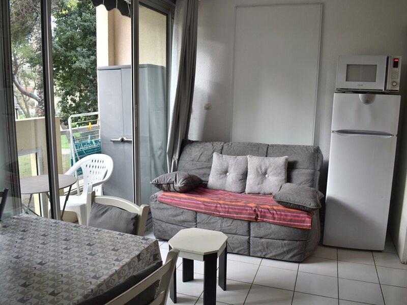 Loc.Saisonnière - REF0149 - T2 de 19m² avec ascenseur et  balcon vue parc, holiday rental in Balaruc-le-Vieux