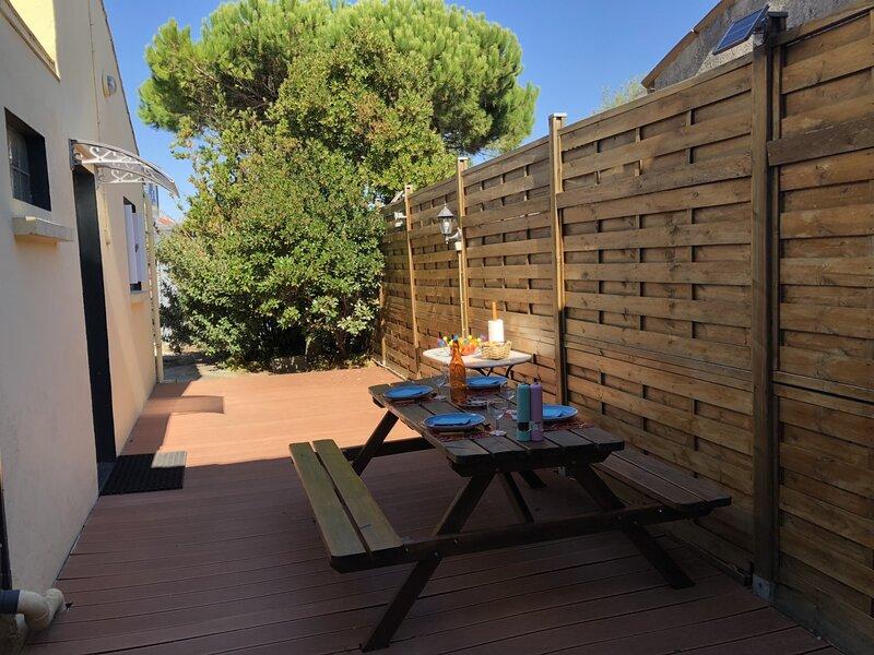 A 100m de la Plage, Maison de Vacances pour 5 Personnes avec WIFI, holiday rental in Chatelaillon-Plage
