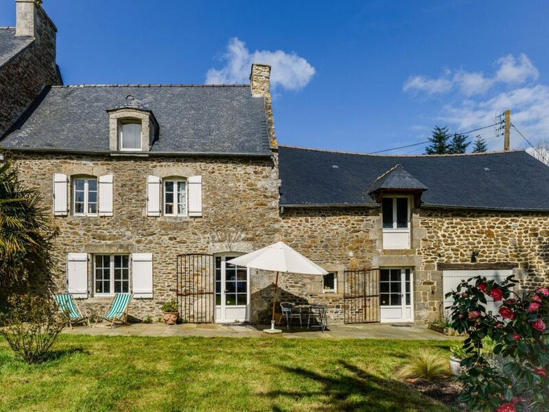 Le Grand Portail Blanc, holiday rental in Pleslin-Trigavou