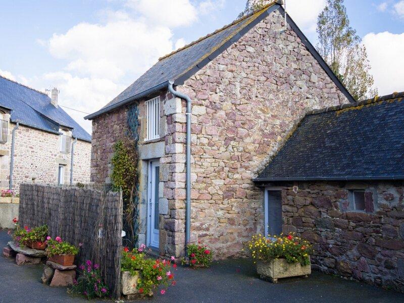 La Petite Maison de Fréhel, casa vacanza a Pleherel-Plage-Vieux-Bourg