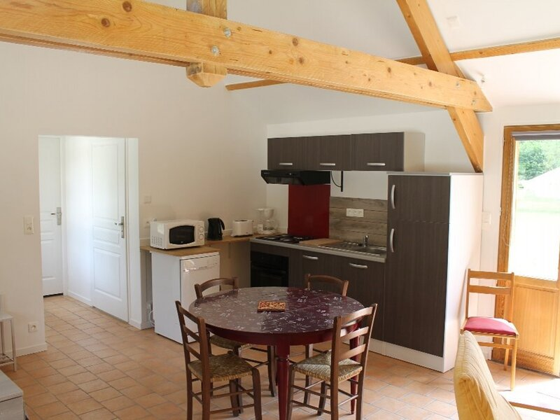Grand Studio en pleine campagne, casa vacanza a La Bussiere