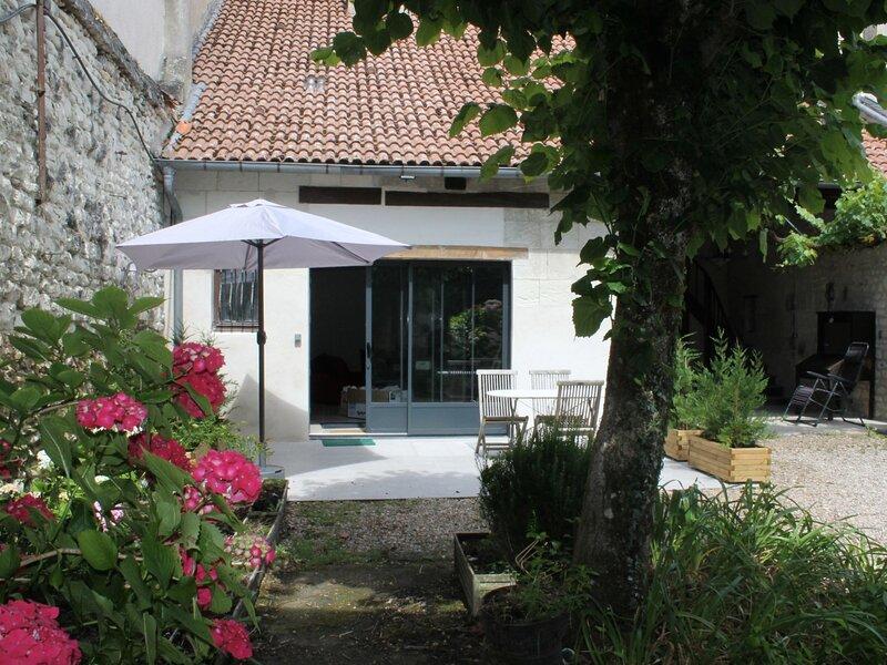 Appartement de Standing à LA ROCHE POSAY, holiday rental in La Roche-Posay