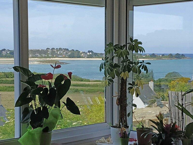 Penvern maison classée 3*** vue mer 300 m de la plage Wifi jardin parking privé, alquiler vacacional en Trebeurden