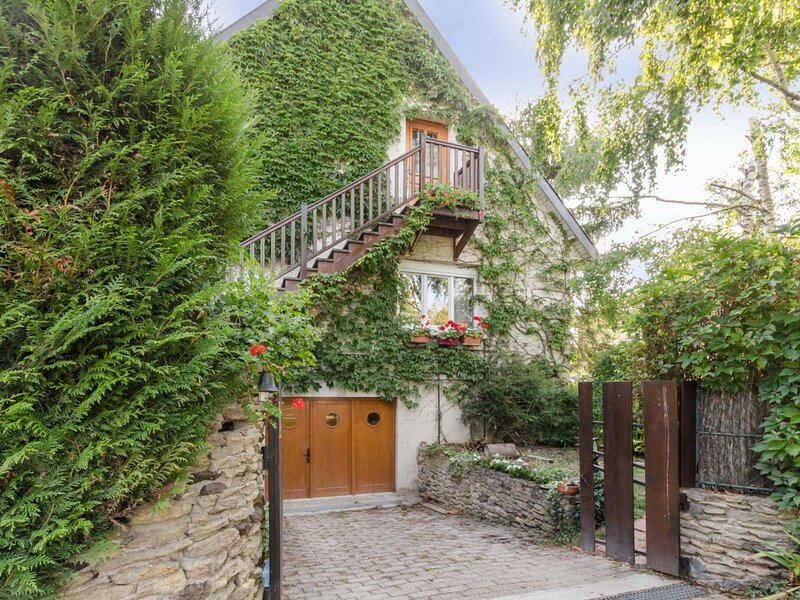 L'Ecrivaine, holiday rental in Payns
