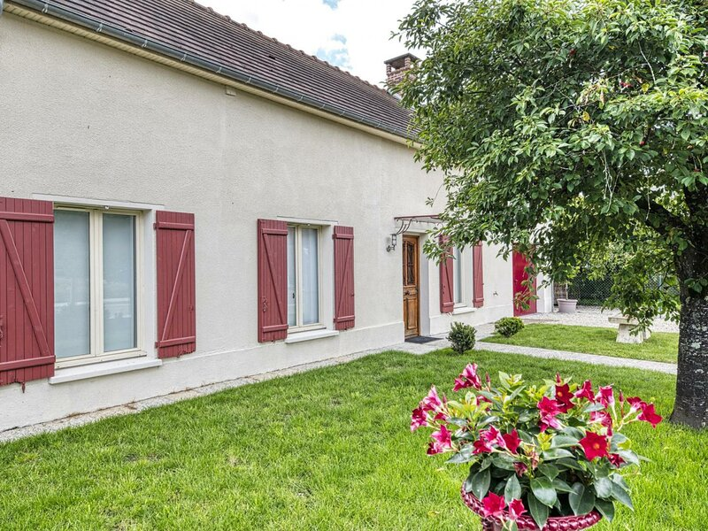 Maison Olive, holiday rental in Clerey