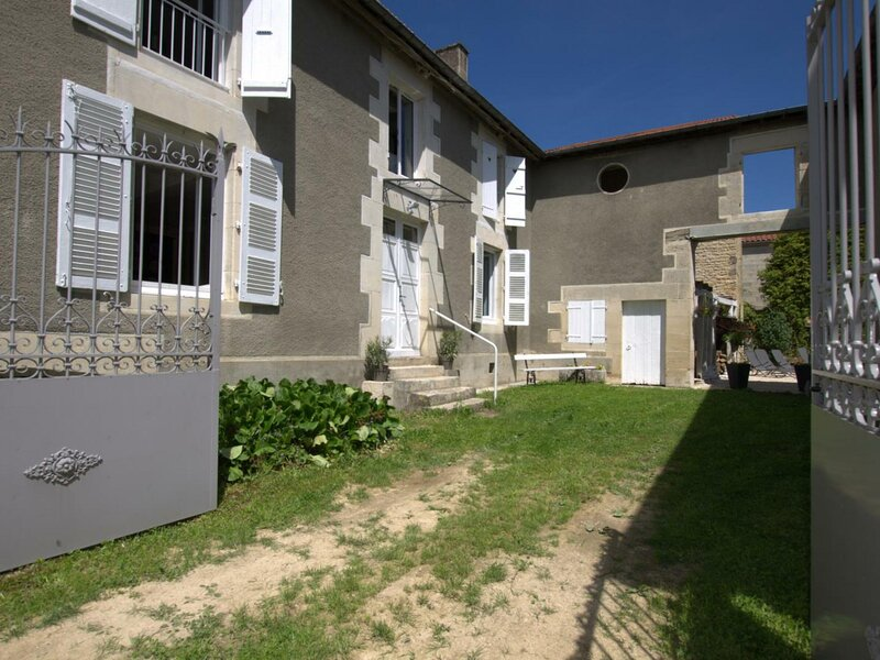 Les Loulous, holiday rental in Orges