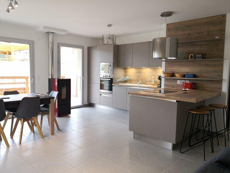 Agréable appartement T3 résidence récente, avec terrasse, location de vacances à Meaudre