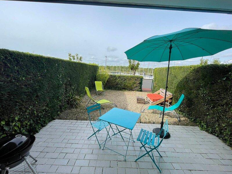 APPARTEMENT EN REZ-DE-JARDIN, casa vacanza a Meschers-sur-Gironde