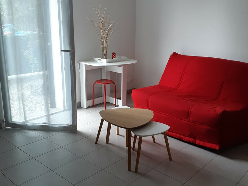 AGREABLE STUDIO PROCHE CENTRE VILLE, holiday rental in Lagord