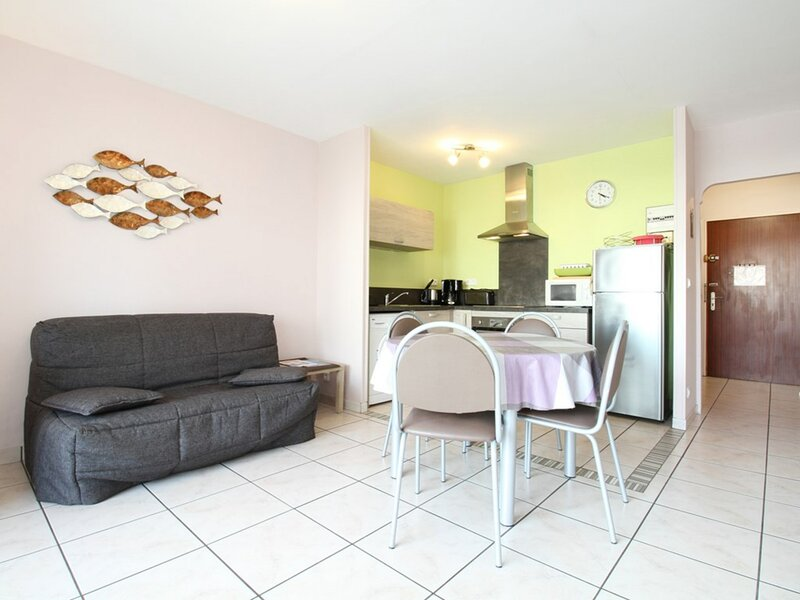 Appartement T2 - Résidence LE COLBERT, holiday rental in Bouzigues