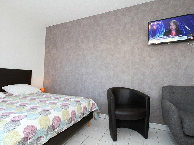 Studio - RESIDENCE LA CADOLE, holiday rental in Balaruc-le-Vieux