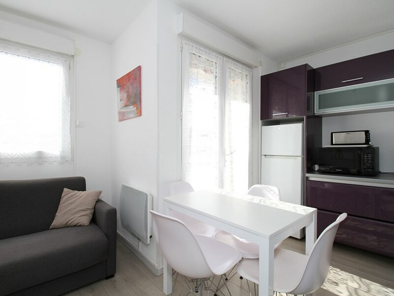 Appartement T2 - RESIDENCE LA CADOLE, holiday rental in Balaruc-le-Vieux