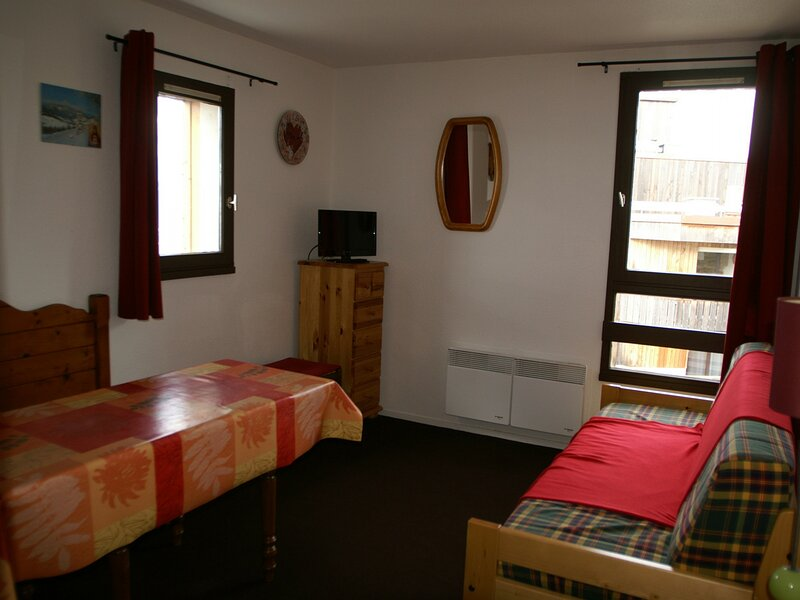 Studio cabine au pied des pistes résidence Cabris, holiday rental in Sainte-Agnes