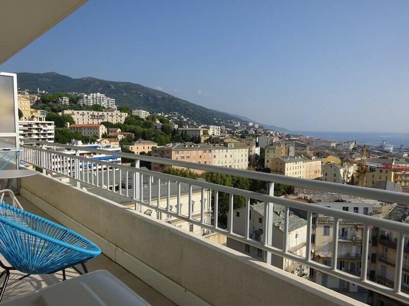 Centre de ville de Bastia- studio 2 personnes magnifique vue mer - BIA-PDJ-F1, holiday rental in Ville-di-Pietrabugno