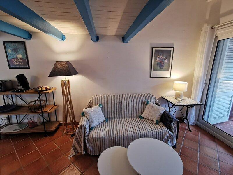 Bastia Marana Studio mezzanine pour 4 personnes bord de mer BIA 881-NGU, location de vacances à Pineto