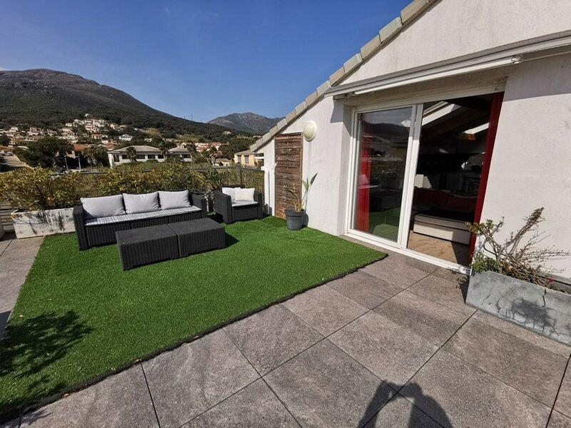 BIGUGLIA- très bel appartement - toit terrasse - pour 4 personnes BIA-TOR2-61, alquiler vacacional en Biguglia