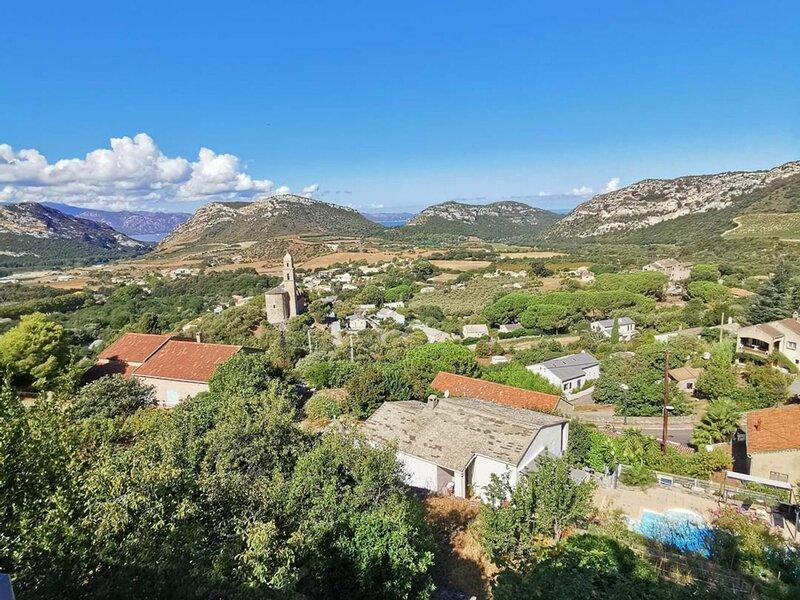 PATRIMONIO - PALAZZO - 4 à 6 personnes, vue mer et montagne, BIA-PATRI-T3, holiday rental in Olmeta di Capocorso
