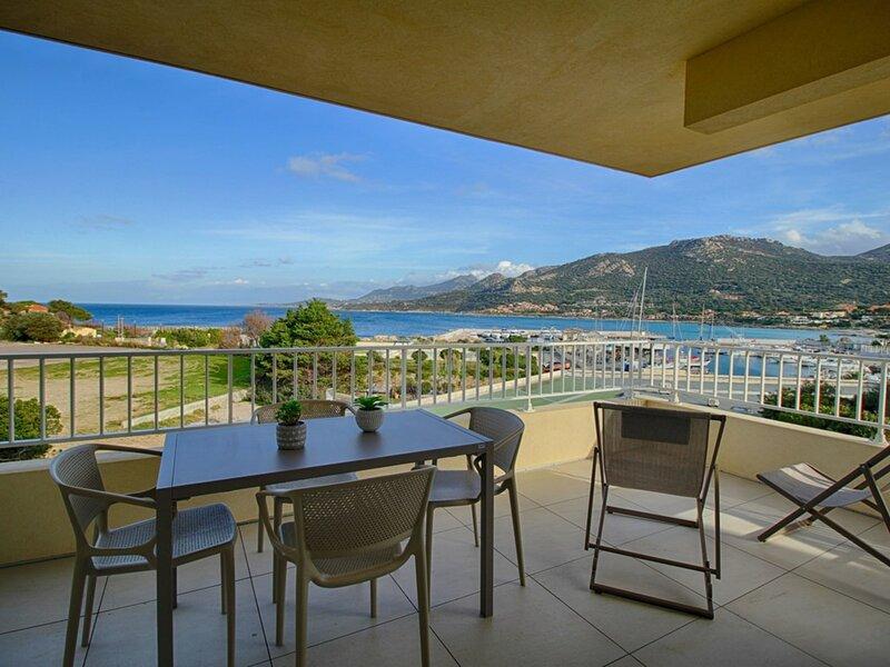 Marine de Sant'Ambroggio - Appartement moderne vue mer - F2 A MARINA 6, holiday rental in Marine de Saint Ambroggio
