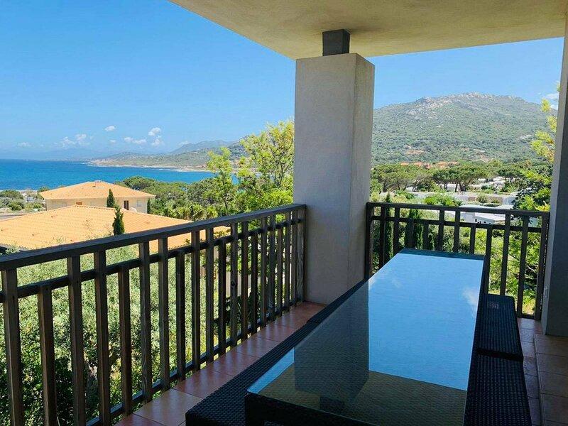 Marine de Sant'Ambroggio- Appartement de standing - F3 V4N2, holiday rental in Santa Reparata di Balagna
