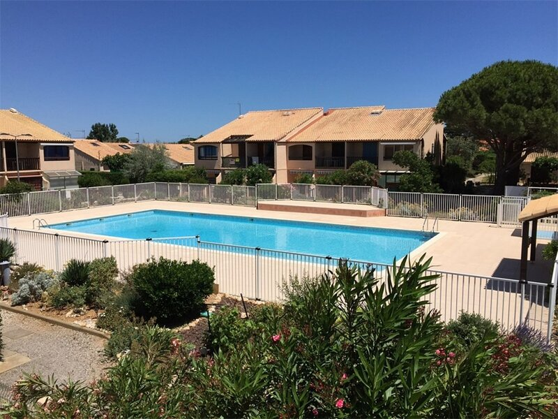 Type 2 4 couchages LA FRANQUI, holiday rental in Treilles