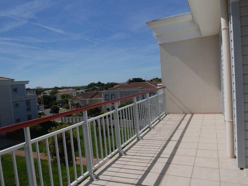 BEAU T2 TERRASSE VUE MER HORIZON, vacation rental in Croix-de-Vie