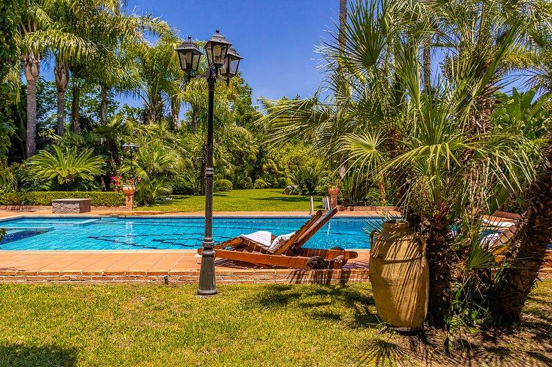 Villa Gialla, location de vacances à Aci San Filippo