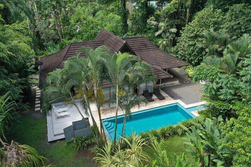 Ambar Deluxe Beach Jungle Pool House, alquiler de vacaciones en Puerto Viejo