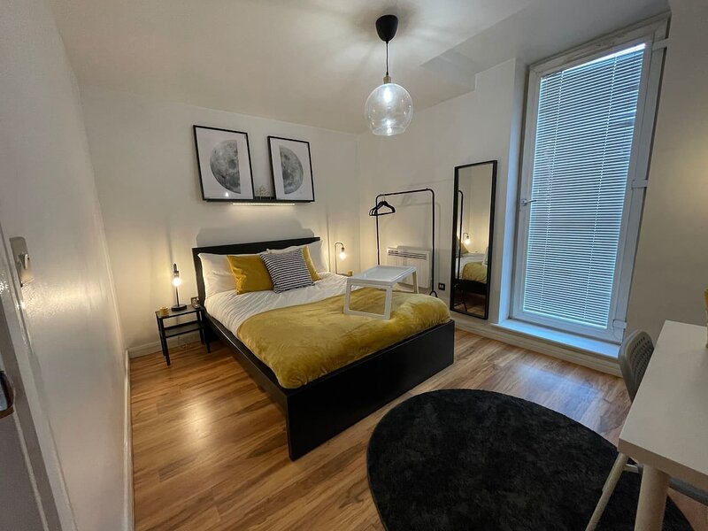 Brand New Apartment - Arcadian&Chinese Quarter, holiday rental in Digbeth