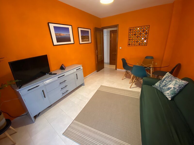 Flat 2, Barahonas, central Baza, two bedrooms, 3p, holiday rental in Baza