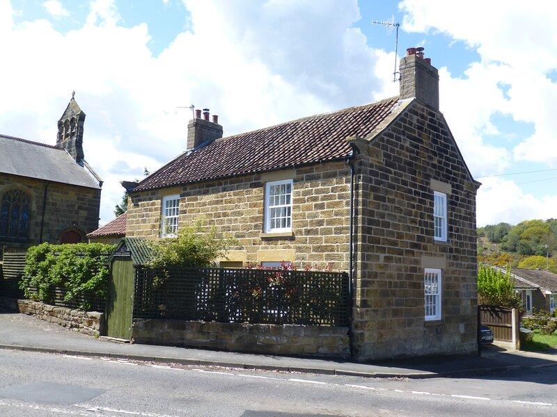 1 Church Cottages, Cloughton, location de vacances à Burniston