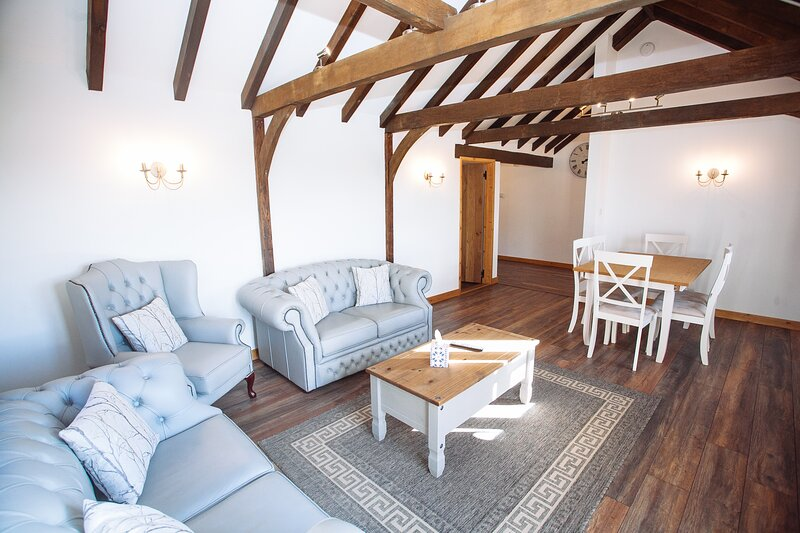 Boutique 3-Bed Cottage in Hellingly, vacation rental in Ripe