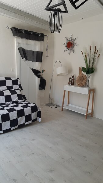 T2 COSY WIFI PROCHE DE LA MER, holiday rental in Florensac