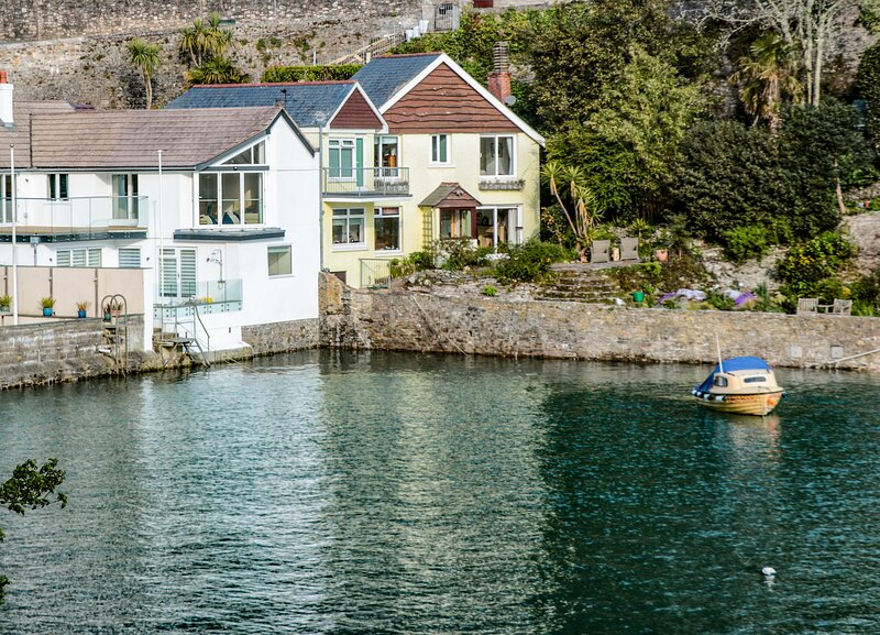 Warfleet Boathouse Cottage, Dartmouth, holiday rental in Kingswear