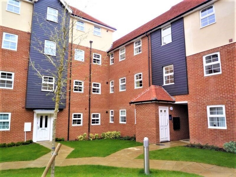 Just Relocate - Dearlove Place, holiday rental in Stansted Mountfitchet