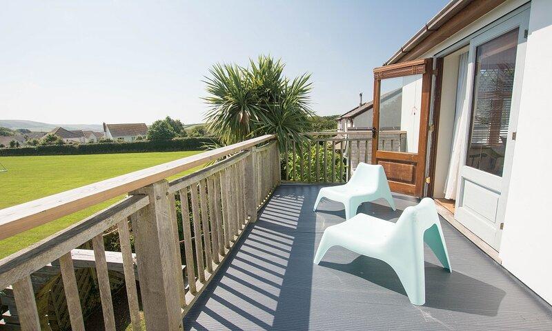 Bag-End House | 7 Bedrooms / Sleeps 14 | Hot Tub*, vacation rental in Georgeham