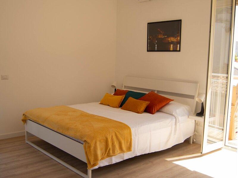 Splendido appartamento a due passi dal mare nel cuore di Acitrezza, alquiler vacacional en Aci Castello