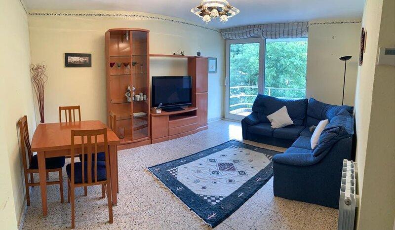 Vivienda de 3 habitaciones con enorme cocina y salon, orientada al sur, vacation rental in Rasines