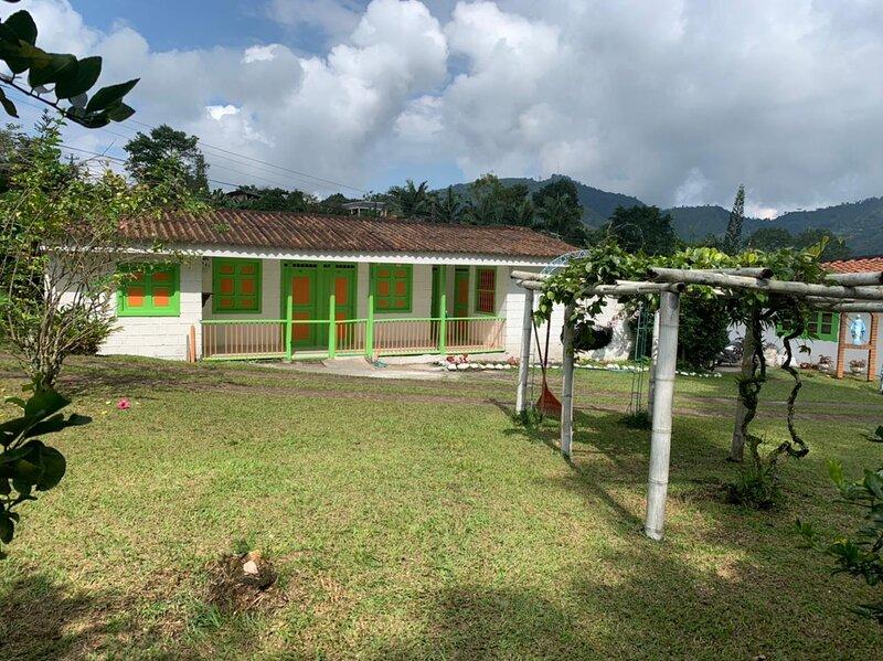 Villa rosales pereira,colombia, holiday rental in Combia