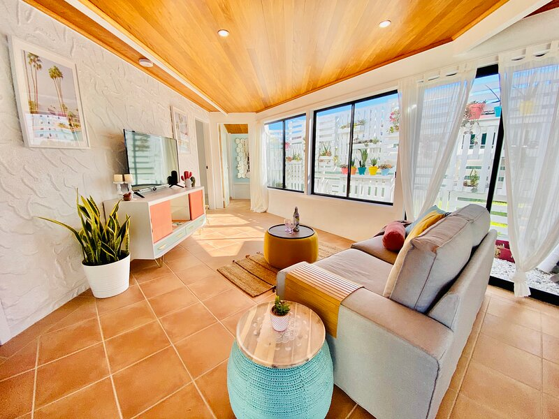 PALM SPRINGS – 2 BED + PRIVATE POOL – COFFS HABOUR, casa vacanza a Coffs Harbour
