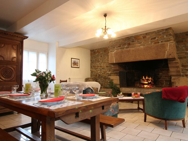 MORTAIN BOCAGE - 8 pers, 110 m2, 5/4, holiday rental in Le Teilleul