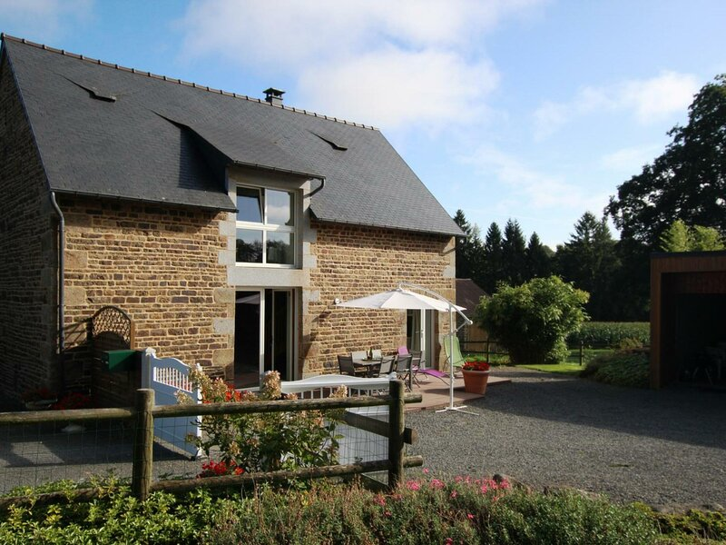 GRAND CELLAND (LE) - 6 pers, 103 m2, 4/3, holiday rental in Isigny-le-Buat