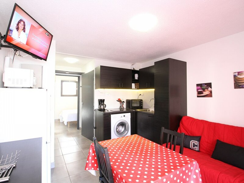 Appartement T2 - RESIDENCE ISIS, holiday rental in Balaruc-le-Vieux